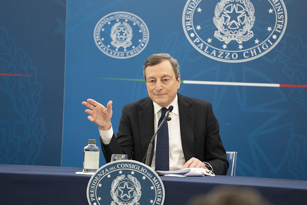 馬里奧·德拉吉(Mario Draghi)的新聞發布會:受到讚賞和批評