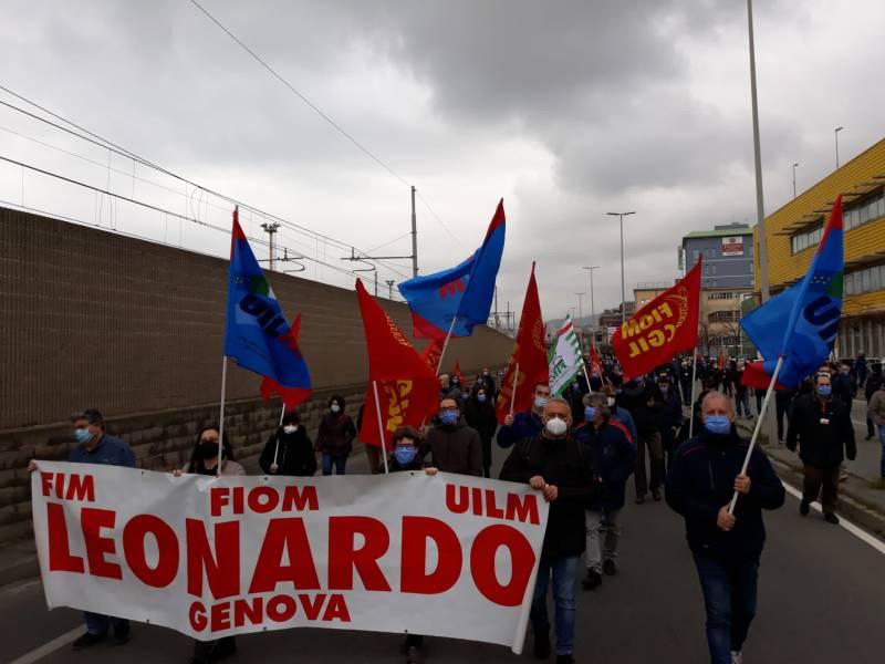 Leonardo, what is said about the Genoa and Taranto plants