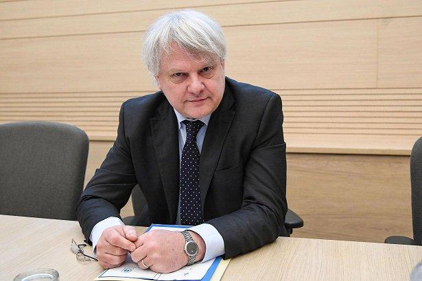 ルイジ・シニョリーニ、これはビスコによって任命され、ドラギの近くにいる新しいイタリア銀行のCEOの履歴書です