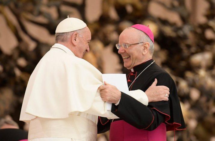 Deshalb vertraut Papst Franziskus Galantino (Apsa) die Schatzkammer des Vatikans an.