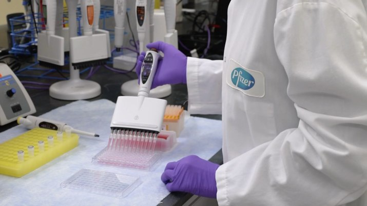 Qu'est-ce qui va changer après l'accord final de l'Amérique au vaccin Covid de Pfizer