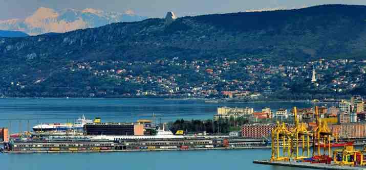 Comment les affaires du port de Trieste (et qui le contrôle) sont-elles aux prises avec le pass vert No