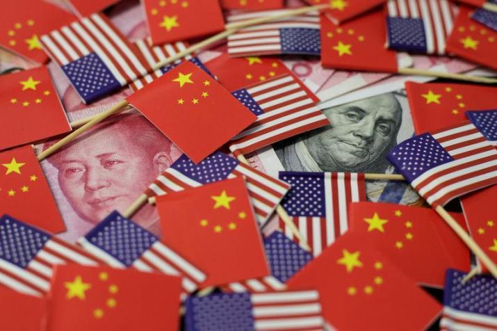 Jarrón de barro europeo entre EE. UU. Y China