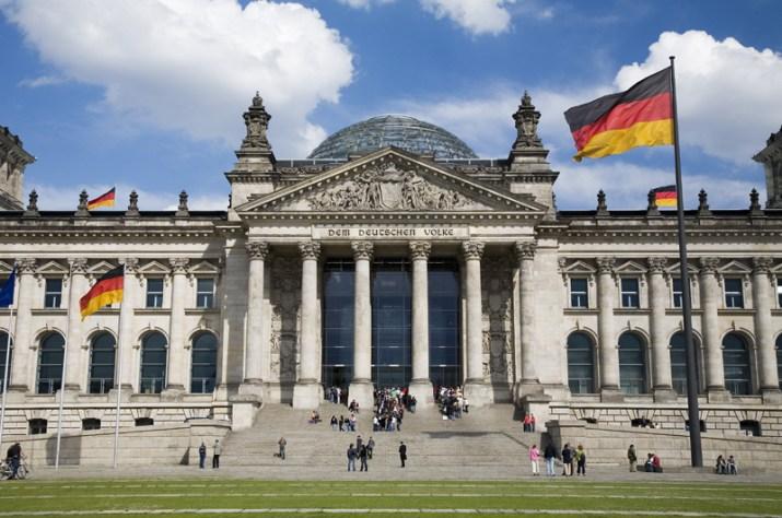 Ce qui va changer (et ne changera pas) en Allemagne sur la politique économique et étrangère avec le SPD