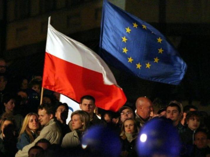 Comment la Cour constitutionnelle polonaise se prépare à quitter l'UE