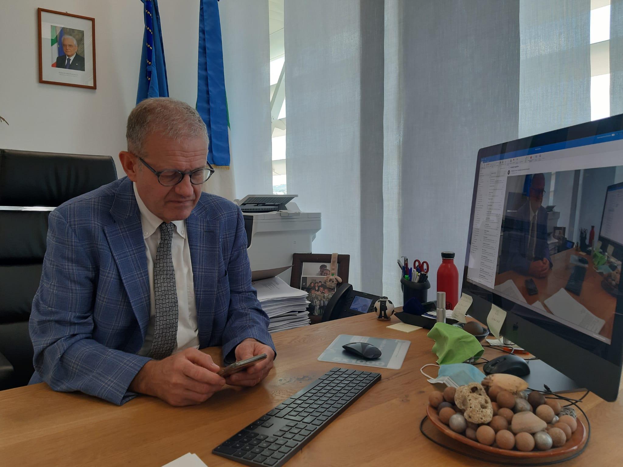 誰是朱塞佩·科爾帕尼,由卡羅扎擔任主席的 CNR 新任主任