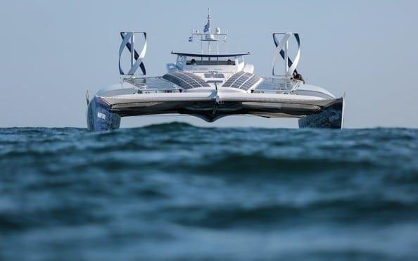 Spoločnosť Toyota Motor Europe podporuje vodíkové plavidlo Energy Observer na jeho plavbe okolo sveta.