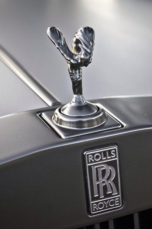 Európa zakázala firme Rolls-Royce ich maskota na kapote – Ducha extázy