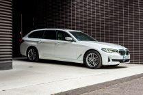bmw-520d-touring-5-5er-bmw5- kombi-combi-baotžina-kufor-kluc-smart-kluce-parkovanie-2653