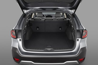 21OUTBACK_Trunk_seats_up