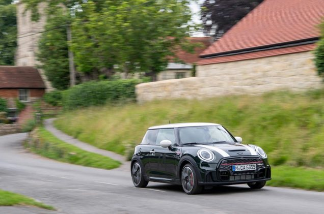 88-mini-jcw-anniversary-official-images-on-road-front