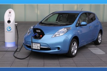 Government Invites Tenders For Electric Cars,Government Invites Tenders,Charging Stations,Government Tenders,Startup Stoires,2017 Latest Business News,2017 Technology News