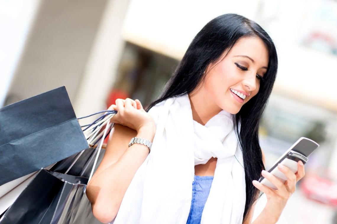weekend special shopping woman sending a text