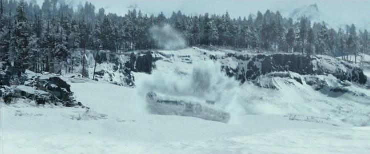 """De Millennium Falcon maakt een """"landing"""""""