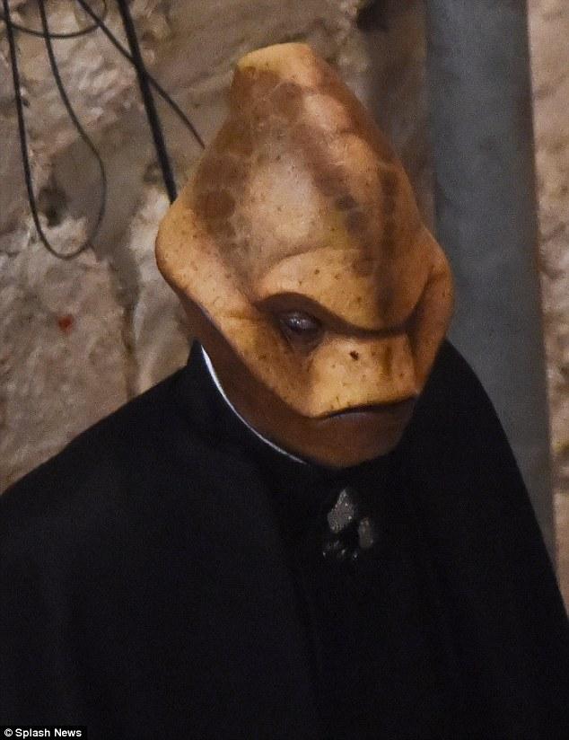Een close up van de alien.