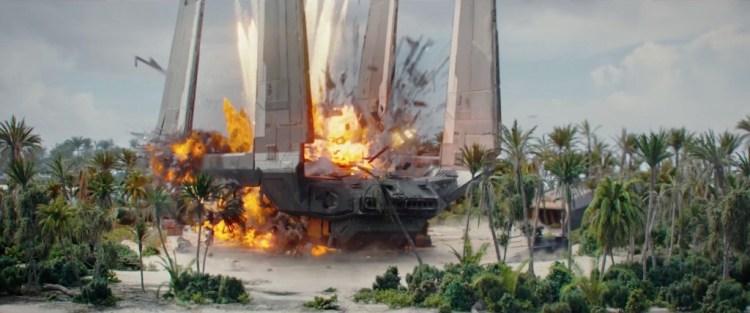 Hier wordt een imperial transportshuttle opgeblazen.