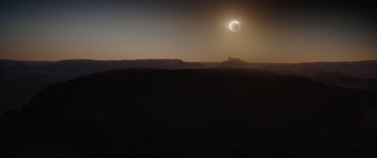 Gevolgd door een geweldig panorama van de zon die door de Death Star verduisterd wordt!