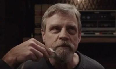 Mark Hamill scheert zijn baard af