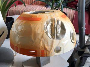 Plastic en plakband zijn perfect om alles af te dekken dat niet oranje hoeft te worden.