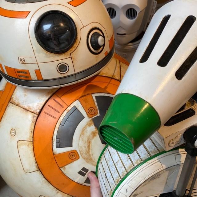 Een kleine selectie droids. D-0, BB-8 en C-3PO.