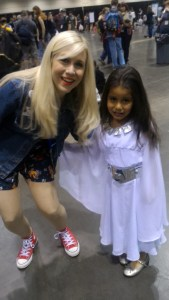 Ashley Eckstein y Sarah Emilia