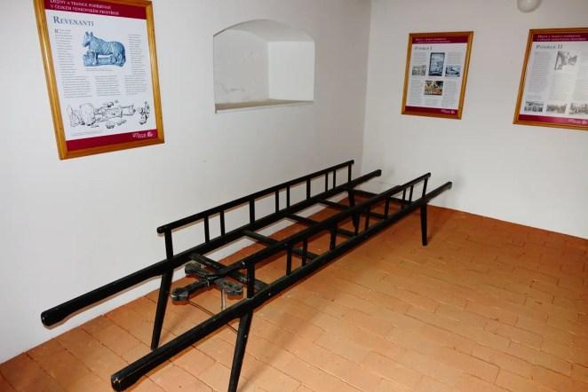 Expozice o pohřebnictví