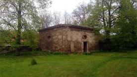 barokní márnice s propadlou střechou