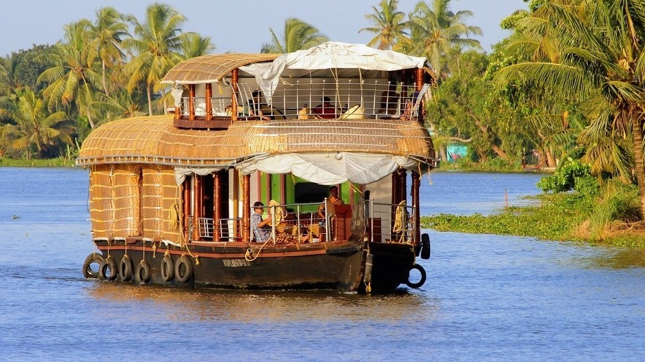 Allepey houseboat cruise south India