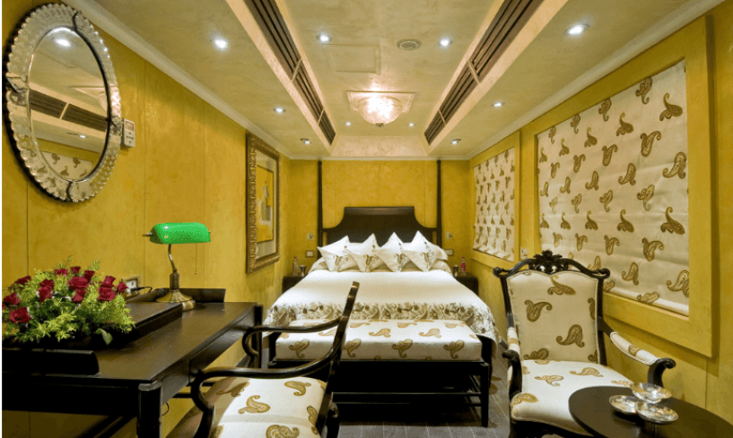 Super-Deluxe-Cabins-Palaces-on-wheels