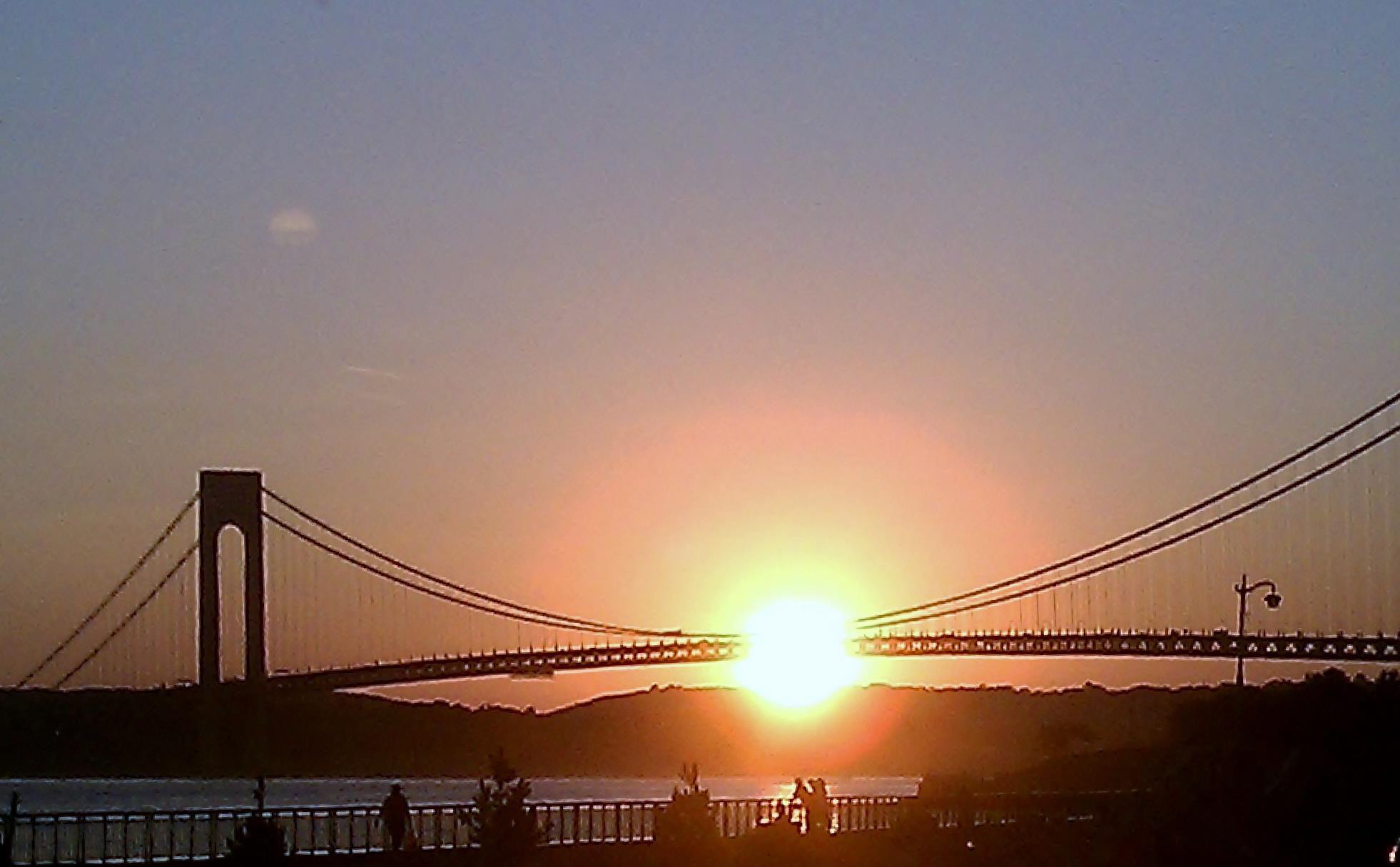 Observing: Pier i Summer on the Hudson