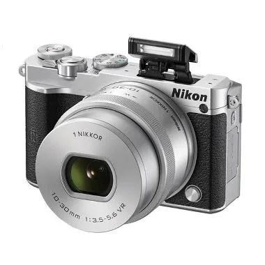 Nikon 1 J5 Kit 10-30mm Kamera Mirrorless - Silver [23 MP]