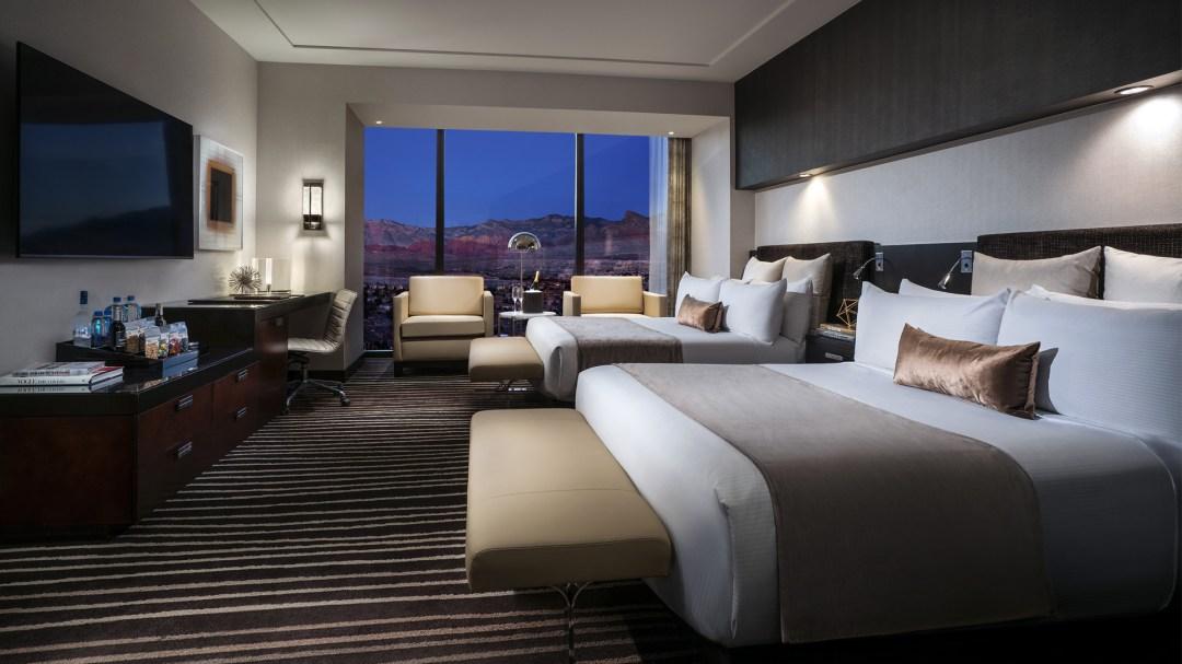 Signature Suite Queen Bedroom Mountain View