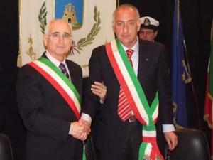 Gemellaggio Torremaggiore, rappresentata da Alcide Di Pumpo (sx) e Ilio Piana (dx) del comune di Villafalletto (da-zeroventiquattro.it)