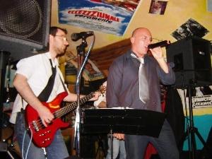I Dysphoria: Salvatore De Finis (cantante), Francesco Guerra (bassista), Antonio Mione (chitarrista), Alberto Cataleta (batterista) e Francesco Ardò (tastierista)