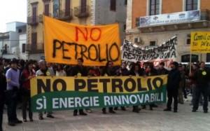 Manifestazione 'No-Petrolio' - Brindisi (www.brindisireport.it)