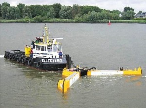 skimmer-per-idrocarburi-per-navi-con-braccio-scrematore (img.nauticexpo.it/images_net)