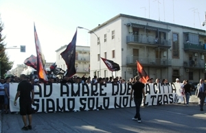 Protesta tifosi del Foggia (image N.Saracino)