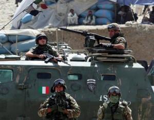 Soldati italiani in Afghanistan (www.solforoso.com)