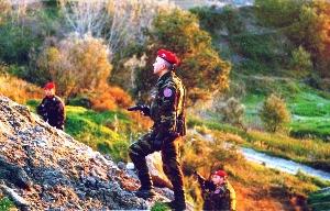 Controlli Squadrone eliportato Cacciatori (immagine d'archivio)