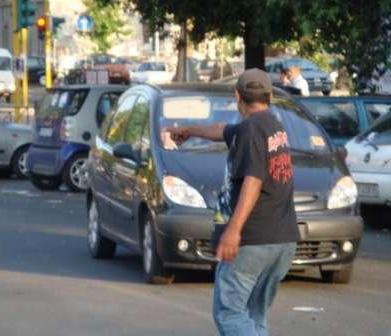 Parcheggiatori abusivi (vostrisoldi.it)