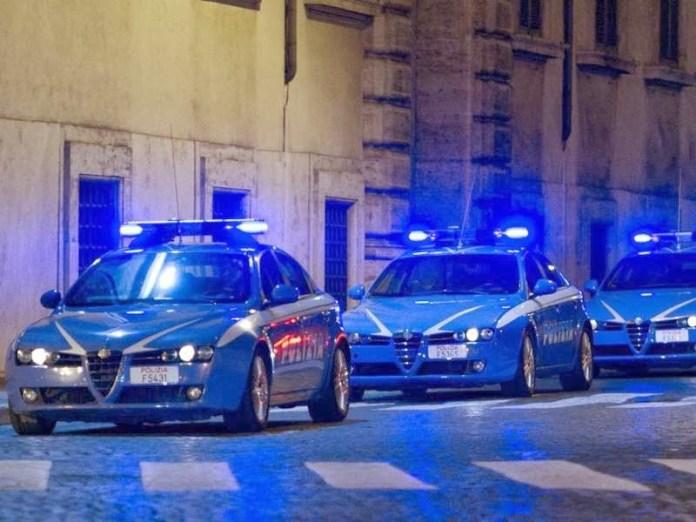 Volanti polizia (archivio Google Image - non riferita al testo)