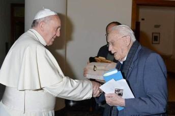 Don Michele De Paolis con Papa Bergoglio (st)