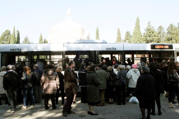 Cimitero, visite a Foggia (V.MAIZZI)