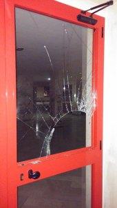 Vandalismi nella galleria di via Tribuna a Manfredonia (st)