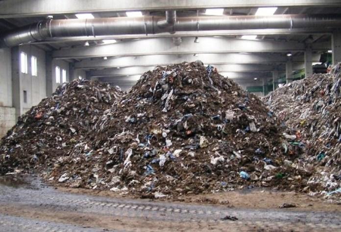 IMMAGINE D'ARCHIVIO NON RIFERITA AL TESTO (impianto di compostaggio - http://www.tricasenews.it)