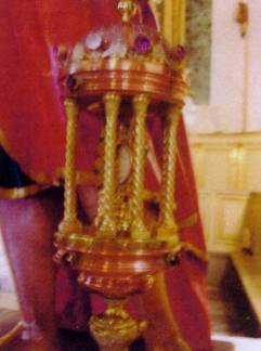 reliquia-di-s-matteo-apostolo-nella-chiesa-di-s-matteo-di-manfredonia