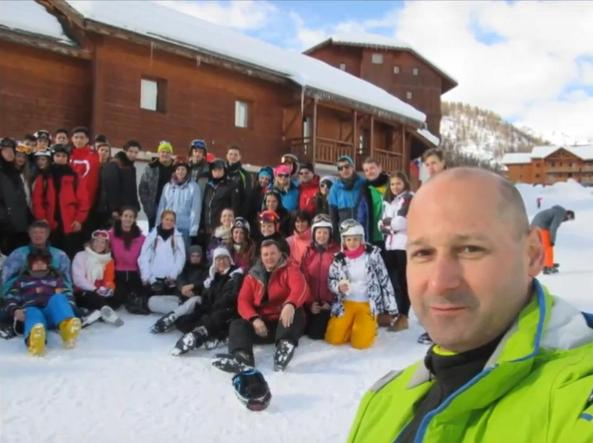 Il selfie del professore György Vigh in montagna nella gita scolastica dell'inverno 2016