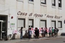 """Manfredonia, sciopero lavoratori Casa di riposo """"Anna Rizzi"""": """"Il lavoro è un diritto"""" (ph antonio troiano)"""