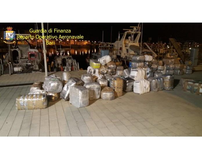 Manfredonia, sequestrati 2.500 kg di marijuana destinati sul Gargano. 2 arresti