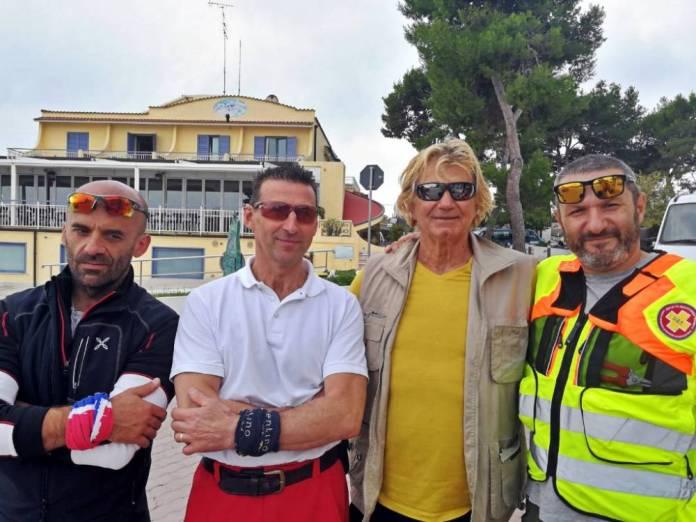 Da sinistra: Mario Pirovano, Fabio Folzi, Arturo Santoro, campione mondiale di pesca subacquea, Francesco Colletta